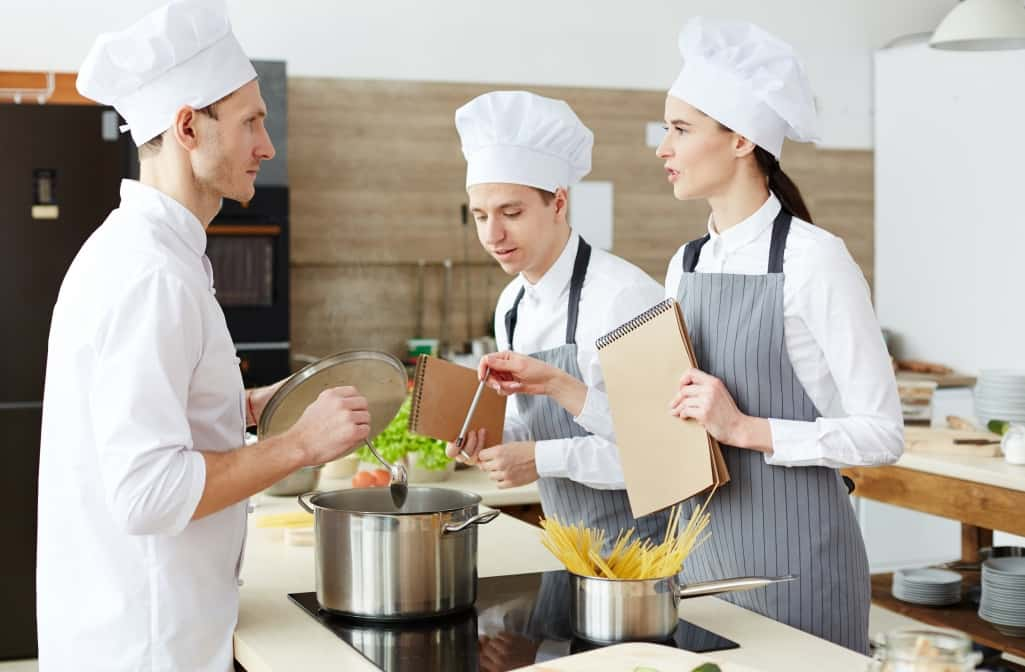 What Is A Commis Chef [Commis Chef Learning Skills}